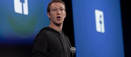 epa05614707 (FILE) A file picture dated 04 April 2013, shows Facebook co-founder and CEO Mark Zuckerberg speaking during an event at the Facebook headquarters in Menlo Park, California, USA. Social media giant Facebook on 02 November 2016 posted for its Q3 of 2016's adjusted earnings of 1.09 US dollars per share on revenue of some seven billion US dollars and an advertising revenue of 6.82 billionUS dollars, outperfoming analysts' expectations.  EPA/PETER DASILVA