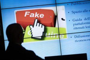 Un momento della presentazione del servizio della Polizia postale contro le fake news presso il Centro Anticrimine Informatico a Roma, 18 gennaio 2018. ANSA/MASSIMO PERCOSSI